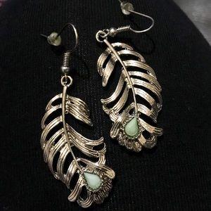 Lucky Brand fashion silver feather boho earrings